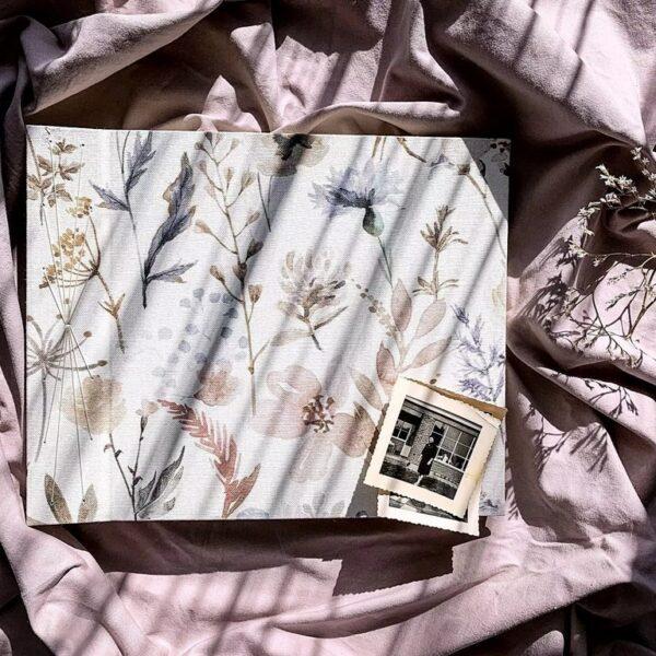 Album fotograficzny w kwiaty z jasnymi stronami robiony ręcznie Papierowe sztuki