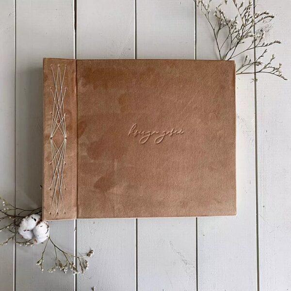 Księga gości beżowa, robiona ręcznie w formie albumu Papierowe Sztuki