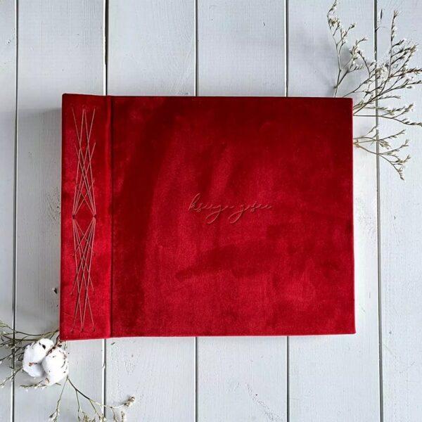 Czerwona księga gości na zdjęcia w formie albumu Papierowe Sztuki