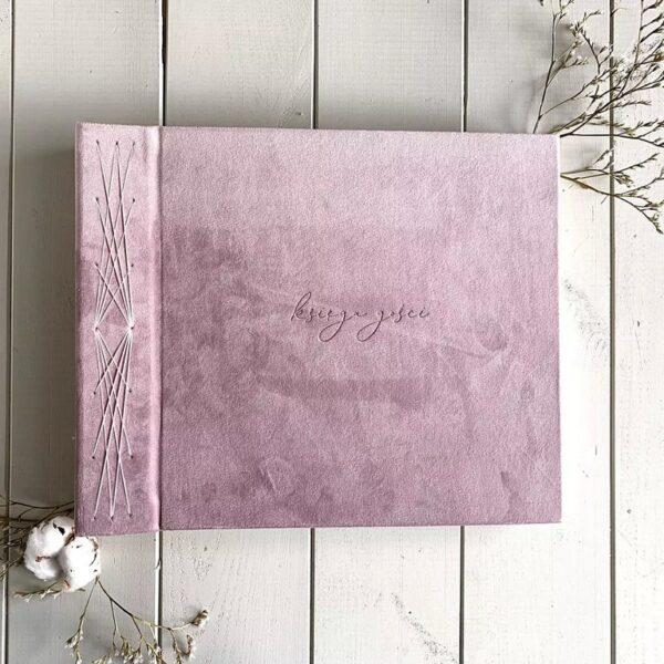 Różowa, welurowa księga gości na wesele Papierowe Sztuki
